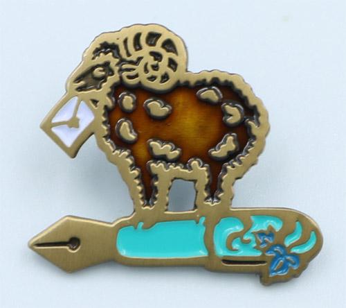 【文具好きのためのピンズ】羊と万年筆