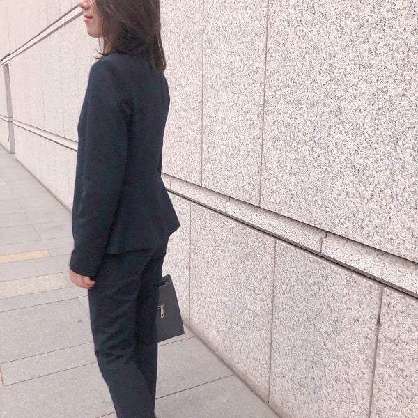 Theoryのスーツ
