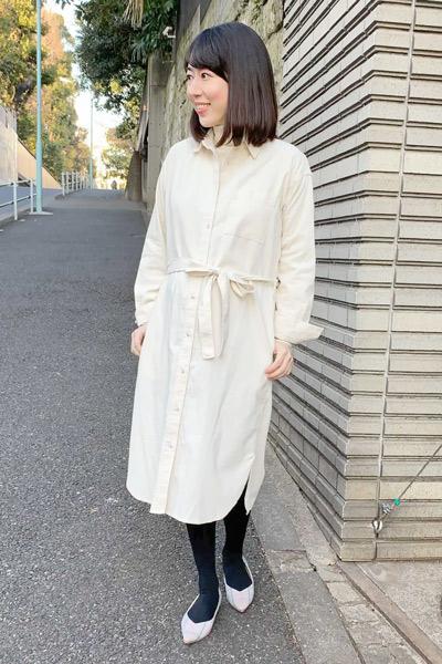 【1】白コーデュロイシャツワンピース×白パンプス