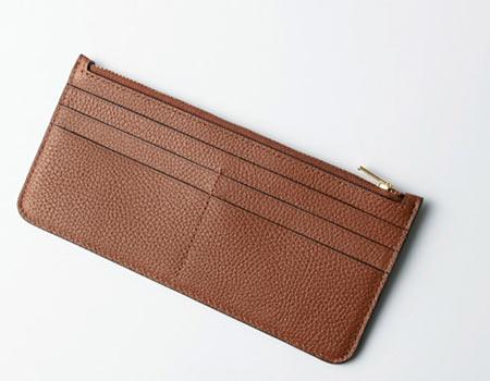 財布部分だけ持ち運べるウォレットバッグ