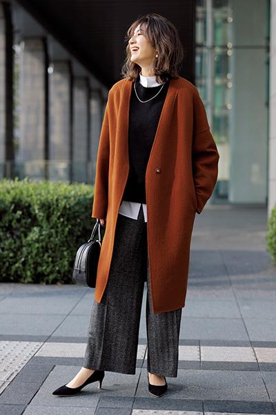 【1】赤みブラウンのノーカラーコート