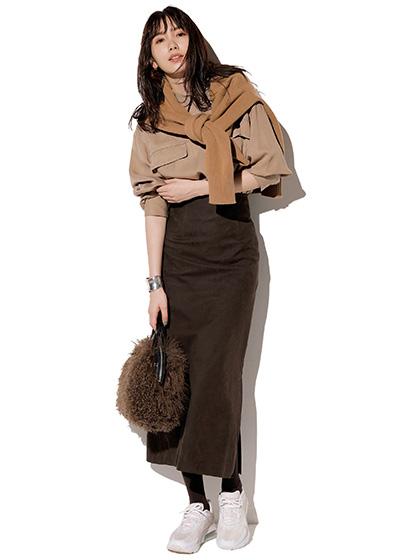 ブラウンスカートで作るグラデーションコーデ