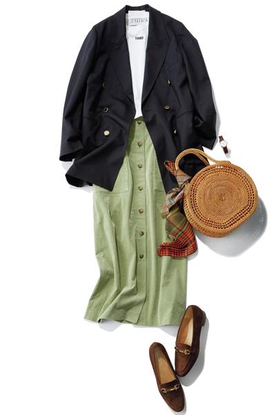 黒ダブルジャケット×タイトスカート