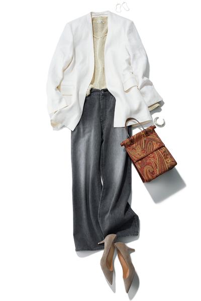 グレーデニムパンツ×白ジャケット