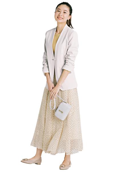 【2】ドット柄フレアスカート×白ジャケット