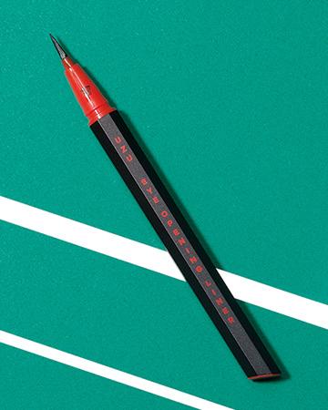 【アイライナー】思い描くラインや発色が叶う5本を厳選