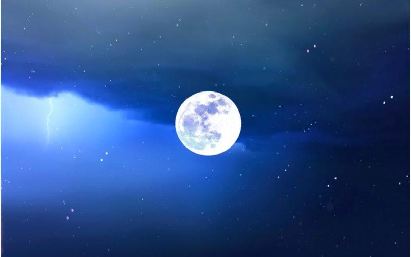 満月」の周期は月齢カレンダーでわかる?「月の満ち欠け」の呼び名や ...