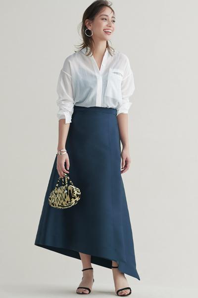 ネイビーロングスカート×白シャツ