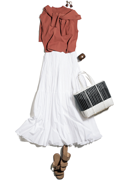 白スカート×ボルドーのアンサンブルニット