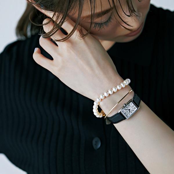 パールブレスレット✕黒腕時計