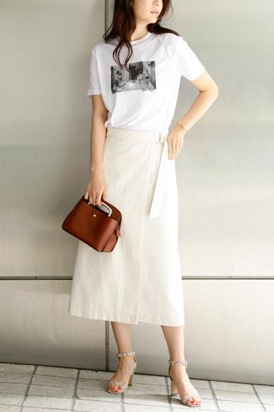 白フレアスカート×フォトTシャツ