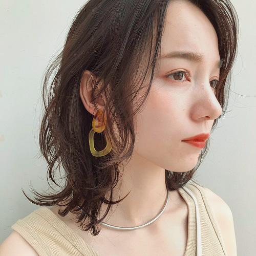 S字カールの韓国風巻き髪アレンジ