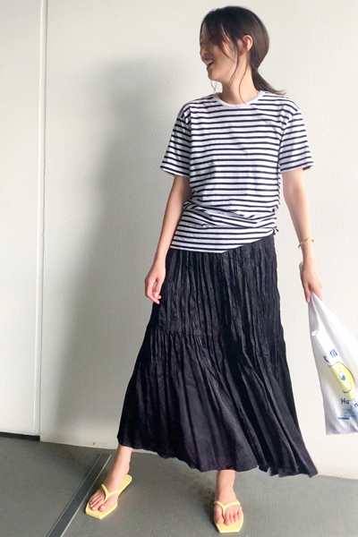 ストレスフリーのきれいめスカート