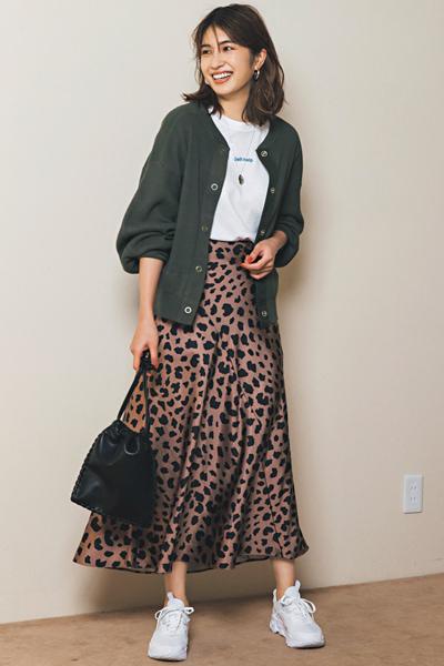 レオパード柄のフレアスカート