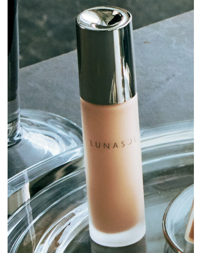 ルナソル|美容オイル入りだから乾燥知らずでツヤ肌に
