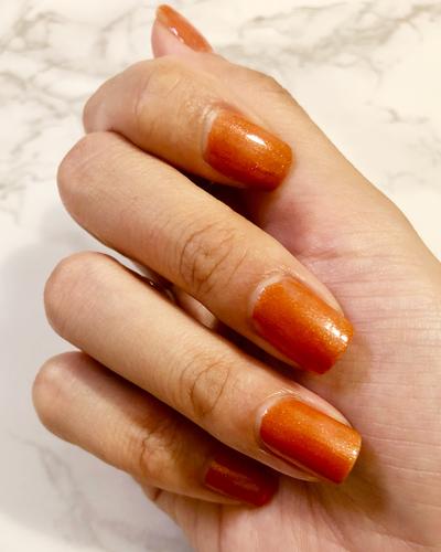 クールなオレンジネイル