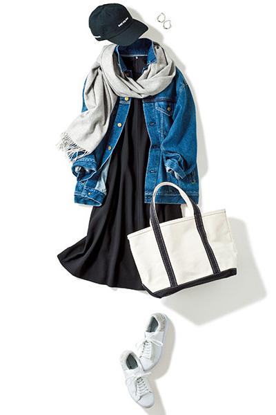 黒ワンピース×デニムジャケット
