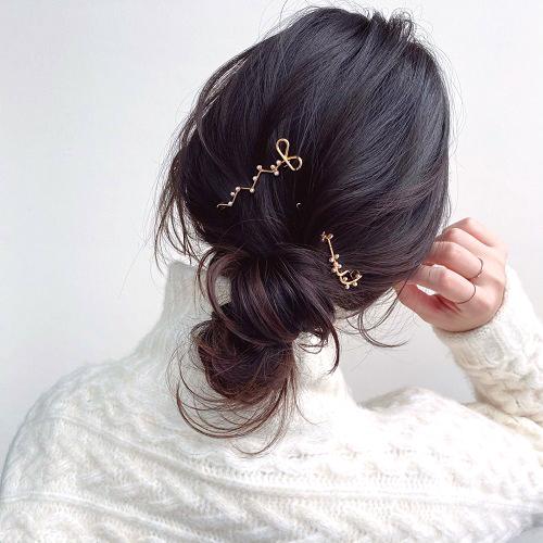 【ミディアムヘア×低め】品よくカジュアルな金ピンアレンジ