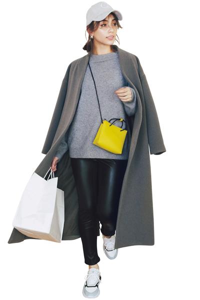 【1/24のコーデ】シンプルな着こなしのアクセントに鮮やかなレモンイエローを!
