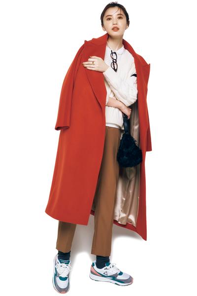 【1/18のコーデ】派手めなカラーコートに似合う今っぽい靴を選ぶなら…?