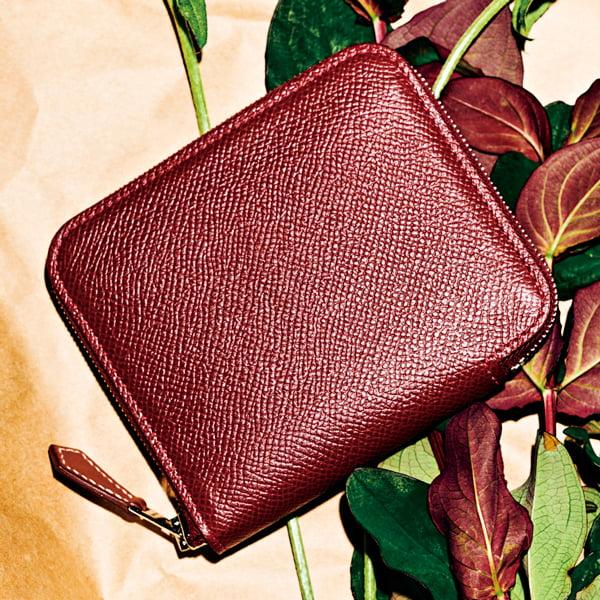 エルメスの端正なフォルムが美しいミニ財布