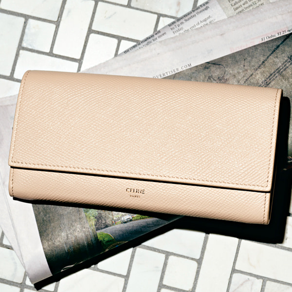 セリーヌのモダンな財布