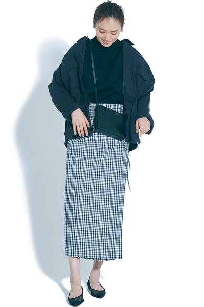 【4/2のコーデ】モノトーン配色の辛口カジュアルなお仕事コーデ♡