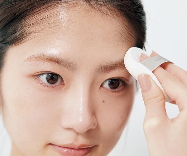 STEP9|眉毛にも粉を仕込むと描きやすい