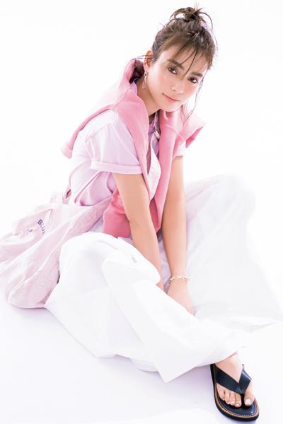 【4/13のコーデ】今季人気のピンクをトーン違いで重ねれば気分も上がる!