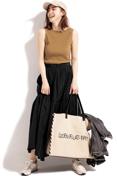 【6/4のコーデ】ドラマティックなスカートをデイリースタイルに落とし込むコツは?