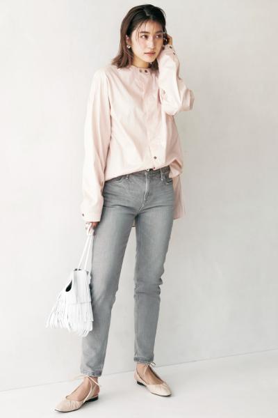 グレーデニム×ピンクシャツ
