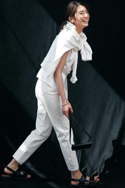 【5/14のコーデ】注目のオールホワイトコーデを立体的に着こなすコツは…?