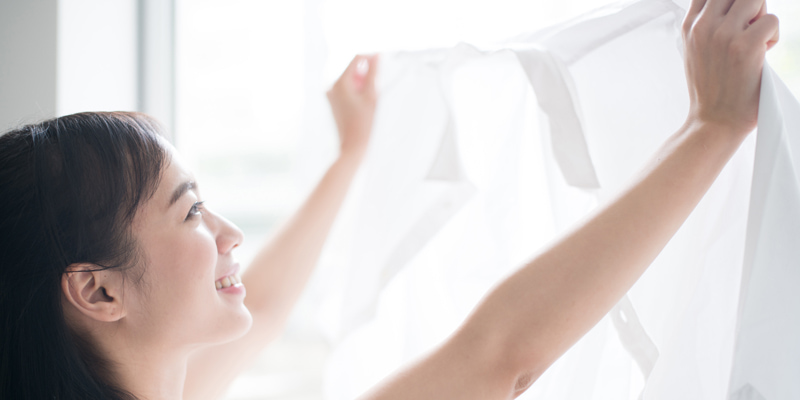 室内での洗濯物は高い位置に干す