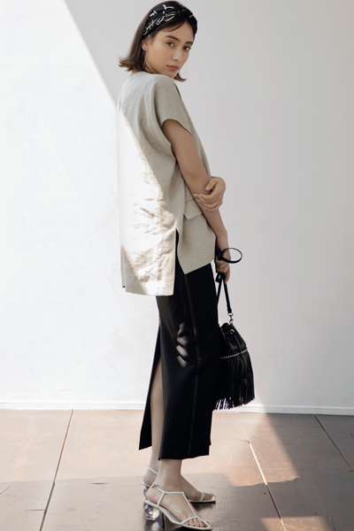 【6/11のコーデ】いつものスカートを長め丈のペンシルタイトに更新!