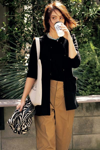 【10/2のコーデ】ツイードジャケットなら羽織るだけでサマになる!