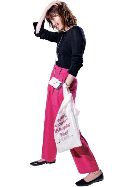 【9/28のコーデ】シンプルなワンツーコーデでハンサムにピンクを楽しむ!
