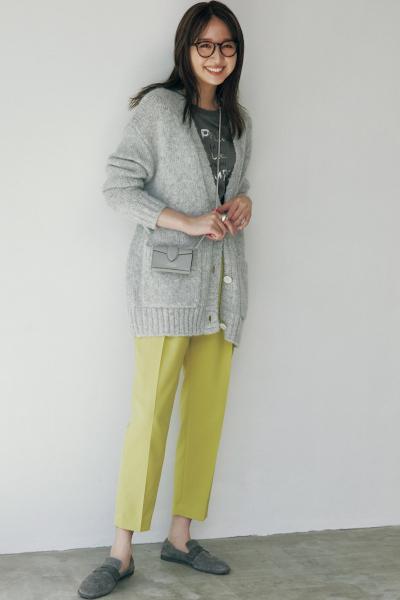 【10/26のコーデ】秋の色合わせで大人っぽく! カラーパンツ×グレートップス