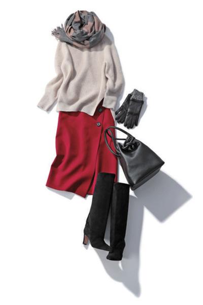 【1/8のコーデ】色のパワーを借りて、赤スカートで気持ちもシャキッと!