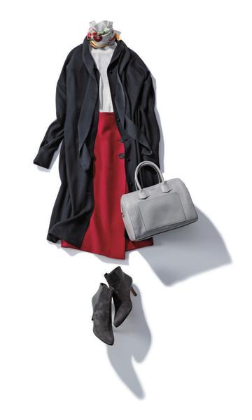 【1/14のコーデ】旬なスカーフ使いと赤いスカートで休日気分を盛り上げて