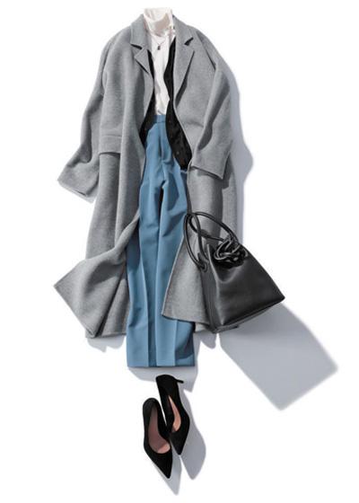 【1/18のコーデ】プレゼンの日は知的さと清潔感を持つブルーのパンツを味方に
