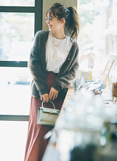 【10/6のコーデ】ゆるニット×Iラインのスカートでシルエットにリズム感を
