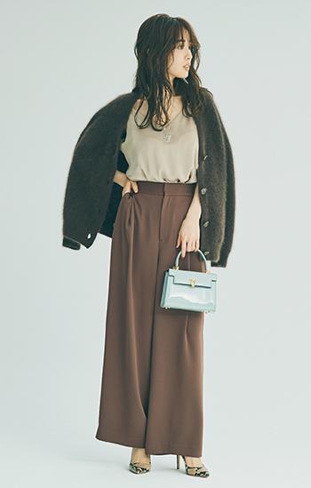 【10/13のコーデ】柔らかブラウンコーデにはきれい色バッグでワンポイント♪