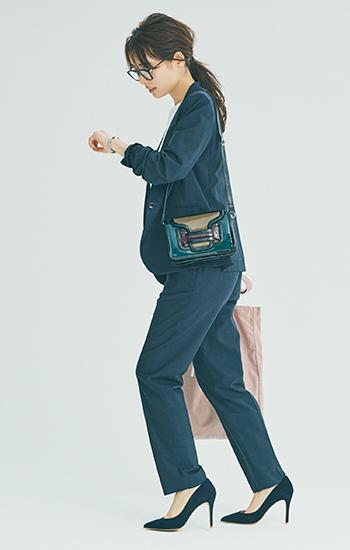 【10/15のコーデ】ハンサムセットアップに遊び心あるバッグを合わせて♪