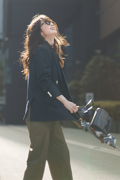 【11/8のコーデ】長め丈ジャケットと細身パンツでタフな女っぽさを手に入れて!