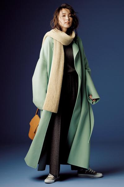 【12/15のコーデ】きれいめコートにざっくりニットストールで一歩先のお洒落を