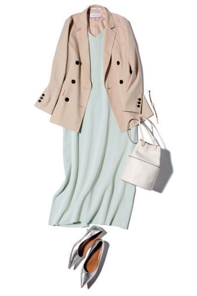 【2/4のコーデ】ミントカラー×ベージュの淡色カラー配色で爽やかな女らしさを