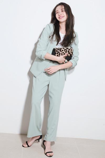 【3/27のコーデ】ミントのセットアップを着て会社へ! 気分も春色♡
