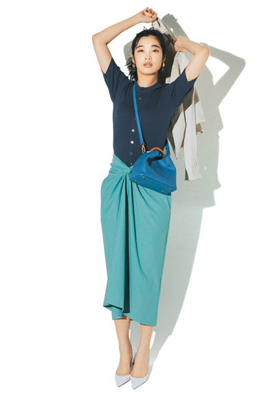 【7/11のコーデ】ジャケット&パンプス合わせで華やかスカートを仕事モードに!