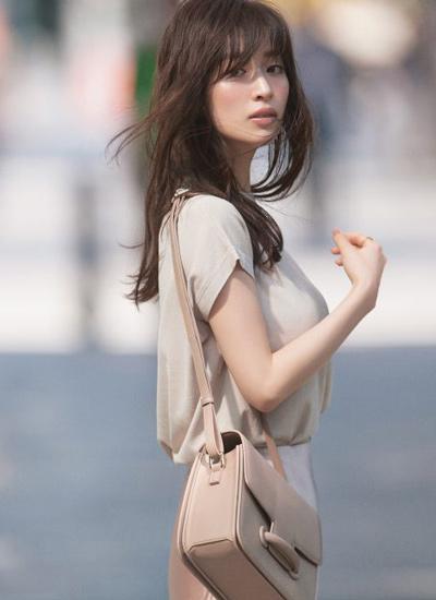 【9/14のコーデ】美人度UPの淡いワントーンコーデで視線を集めて