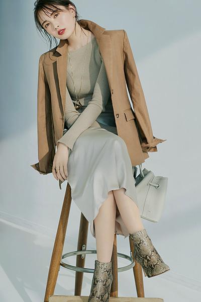 【2/29のコーデ】ベージュのワントートンコーデを女っぷりよく着こなして♡